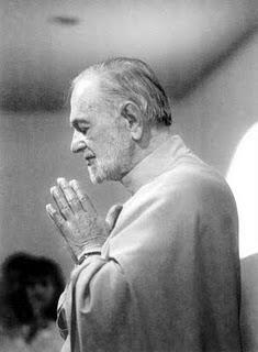 Swami Kriyananda namaste